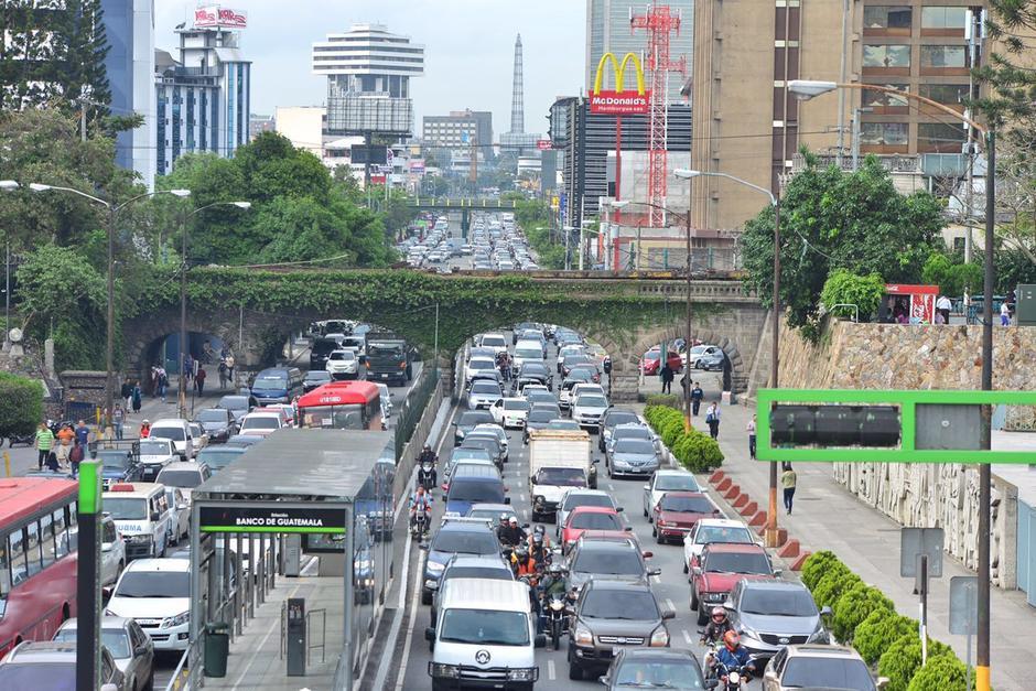 Miles de automovilistas fueron afectados durante la manifestación del Codeca de este martes. (Foto: Jesús Alfonso/Soy502)