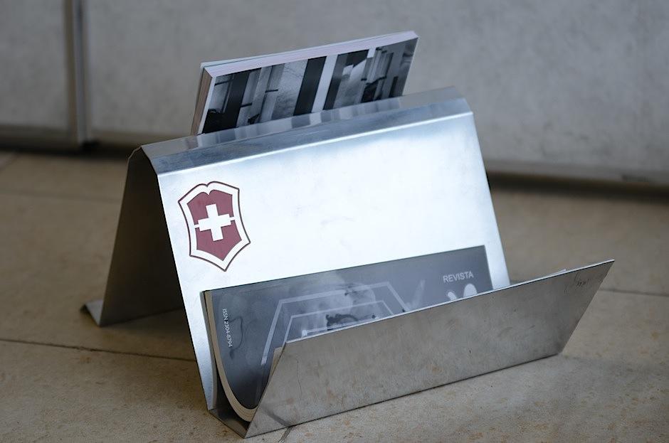 El revistero de Melissa Tobar está inspirado en las navajas suizas. (Foto: Selene Mejía/Soy502)