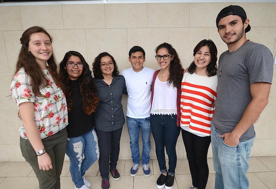 """""""Elysian"""" es un colectivo de estudiantes de diseño industrial de la Universidad Rafael Landívar. (Foto: Selene Mejía/Soy502)"""