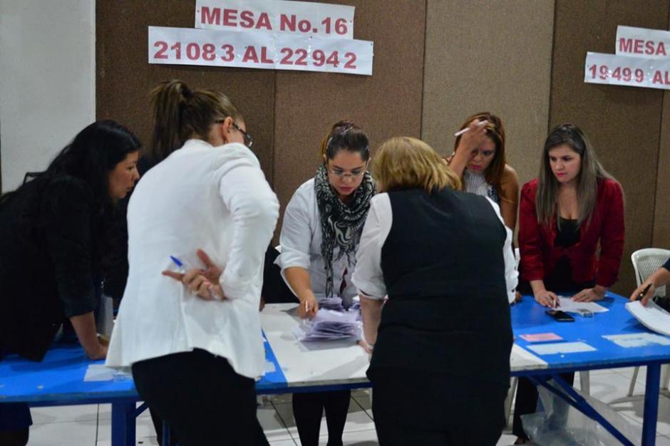 Las mesas para la recepción de votos cerraron a las 18 horas en todo el país. (Foto: Jesús Alfonso/Soy502)