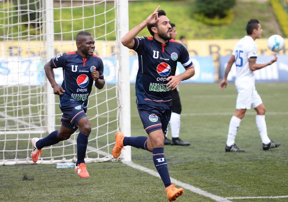El mexicano, Carlos Kamiani Félix, se lució ante Comunicaciones y le anotó cuatro bolazos. (Foto: Nuestro Diario)