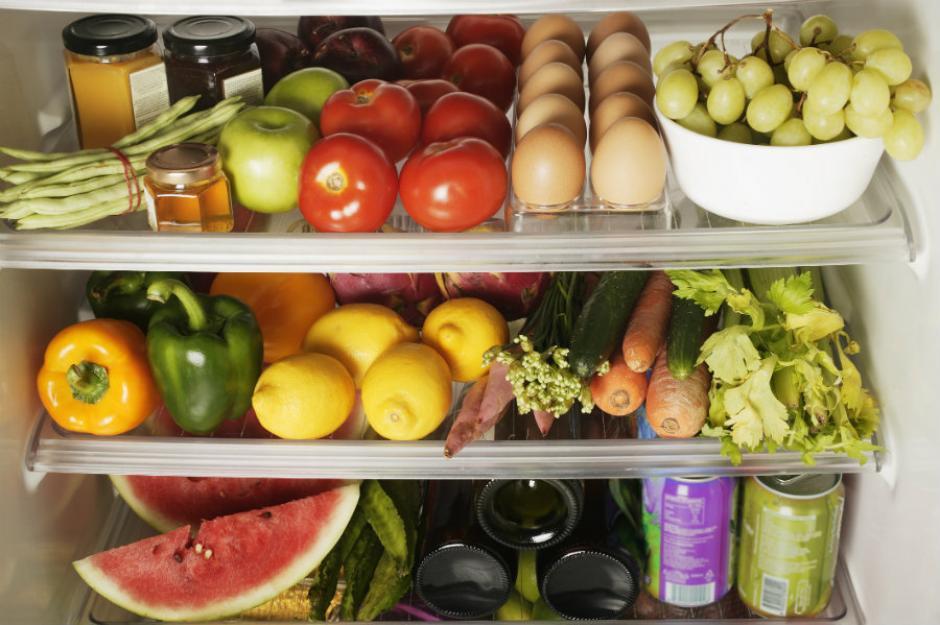 La iniciativa contempla que en los establecimientos educativos solo se pueda vender comida saludable. (Foto: static.imujer.com)