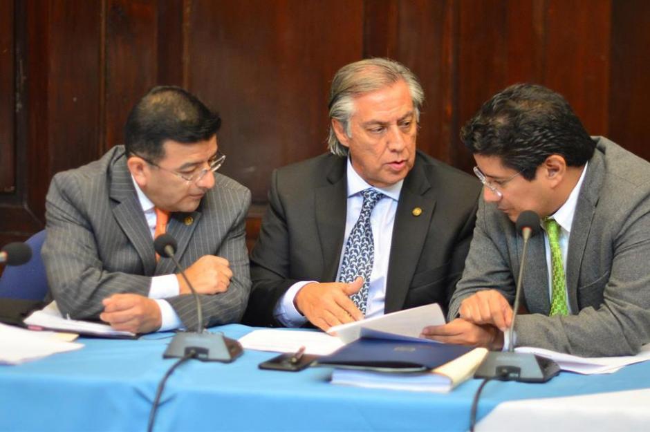 La comisión pesquisidora se reúne para conocer antejuicio contra Vladimir Aguilar. (Foto: Jesús Alfonso/Soy502)