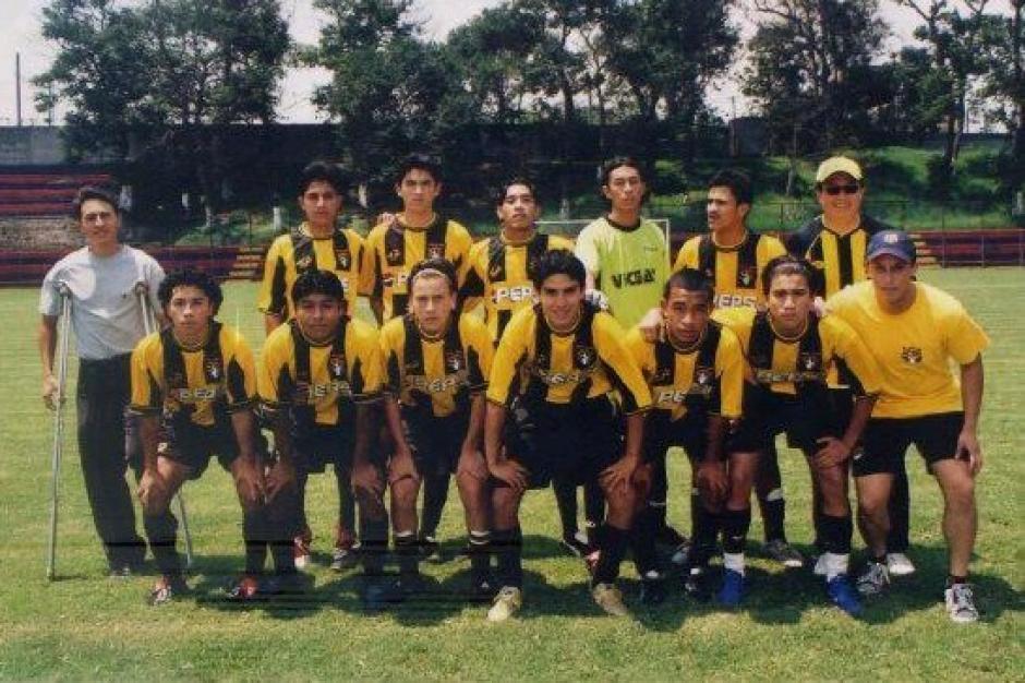 Las lesiones le obligaron a dejar el fútbol pero pasó a dedicarse a entrenar. (Foto: Juan Francisco Roldán)