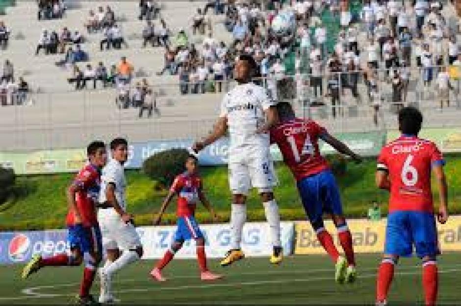 Jairo Arreola anotó el gol de Comunicaciones que los posiciona en el tercer lugar. (Foto: Orlando Chile/Nuestro Diario)
