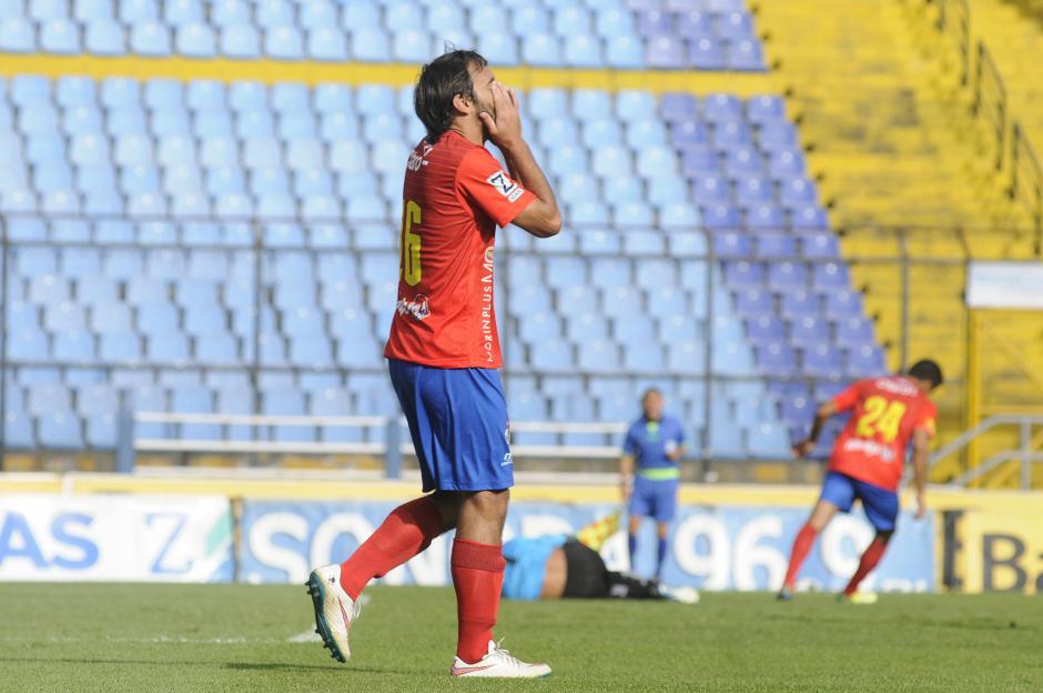 Puerari disputó su primer clásico con Municipal. (Foto: Nuestro Diario)