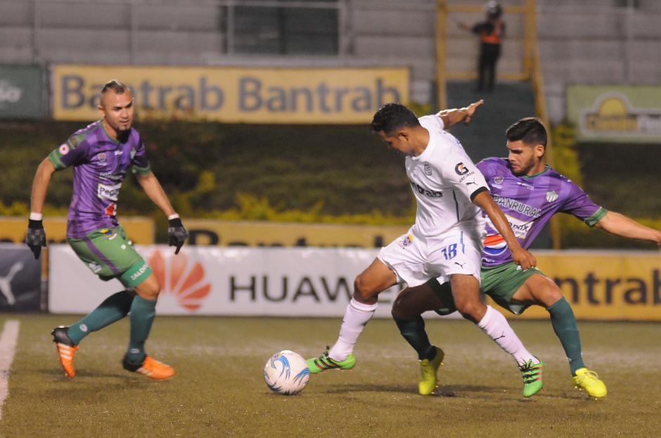 Antigua tuvo la oportunidad de llevarse la victoria a casa. (Foto: Orlando Chile/Nuestro Diario)