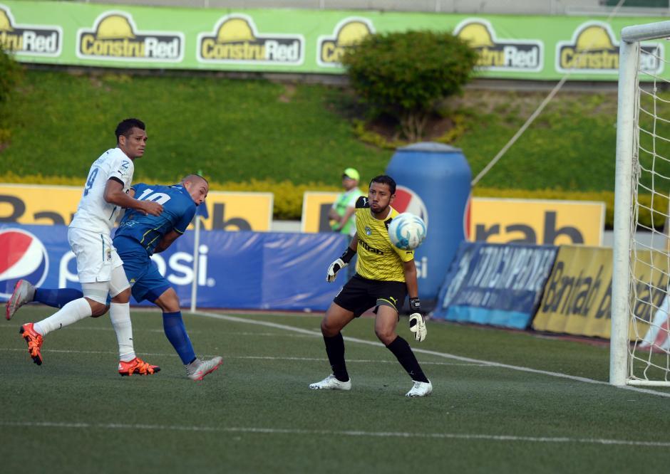 Por tercer partido consecutivo salió de titular el portero petenero Juan José Paredes.(Foto: Nuestro Diario)