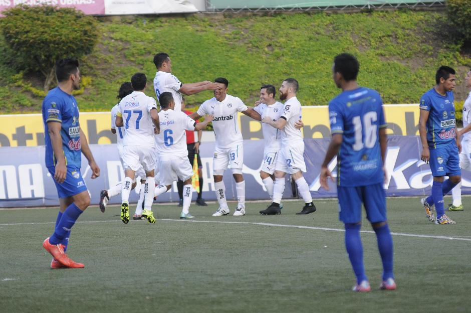 Los cremas ganaron su noveno partido del Apertura 2015 y llegaron a 30 puntos, pelean por el subliderato.(Foto: Nuestro Diario)