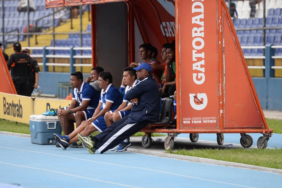 Desolados; así lucieron los integrantes de la banca de Suchi. (Foto: Sergio Muñoz/Nuestro Diario)