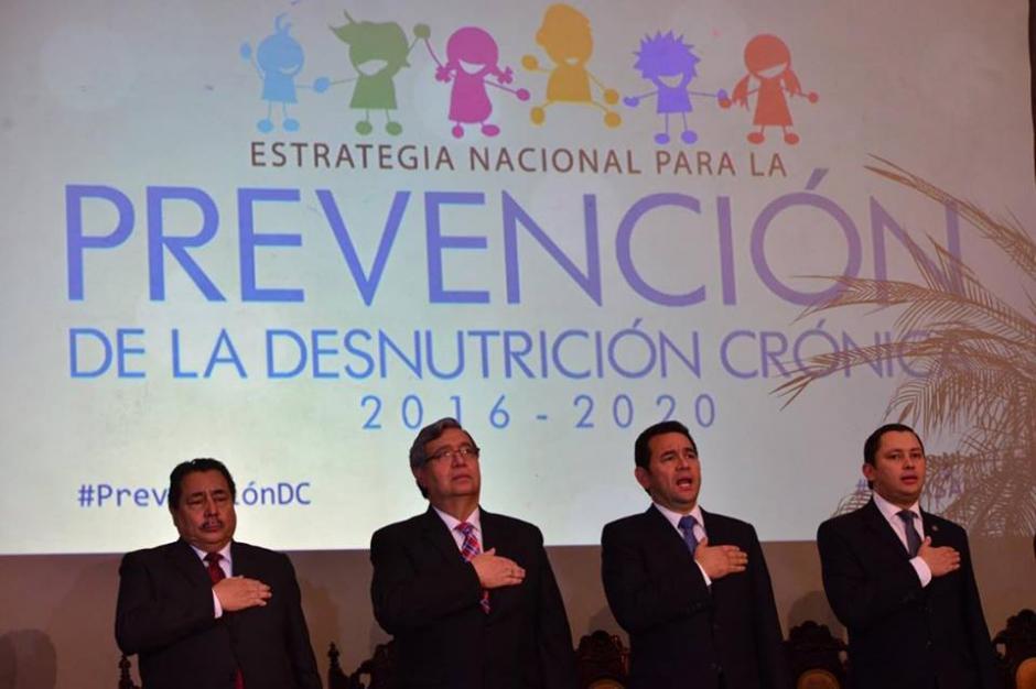 Durante su discurso Jimmy Morales apeló a los sentimientos citando a José Martí. (Foto: Jesús Alfonso/Soy502)