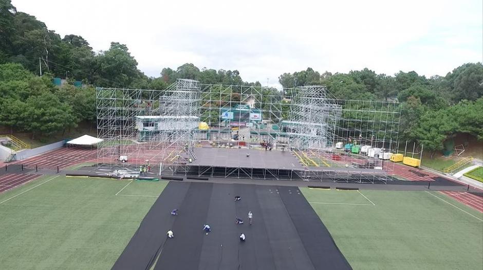 Así va la plataforma del escenario donde se presentará Metallica. (Foto: Facebook/SD Concerts Guatemala)