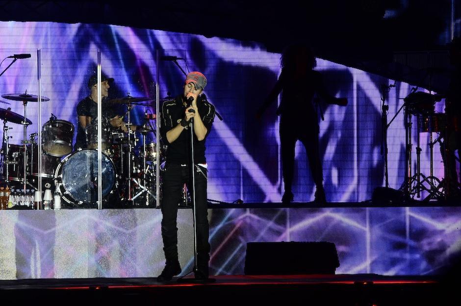 Enrique puso toda su pasión en su presentación en el país, parte de su gira mundial Sex+Love. (Foto: Abner Salguero/Nuestro Diario)
