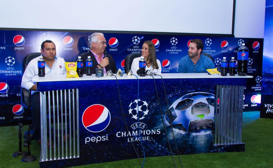 El comentarista expuso los detalles de los cuatro equipos de las semifinales de la Champions League. (Foto: Eddie Lara/Soy502)