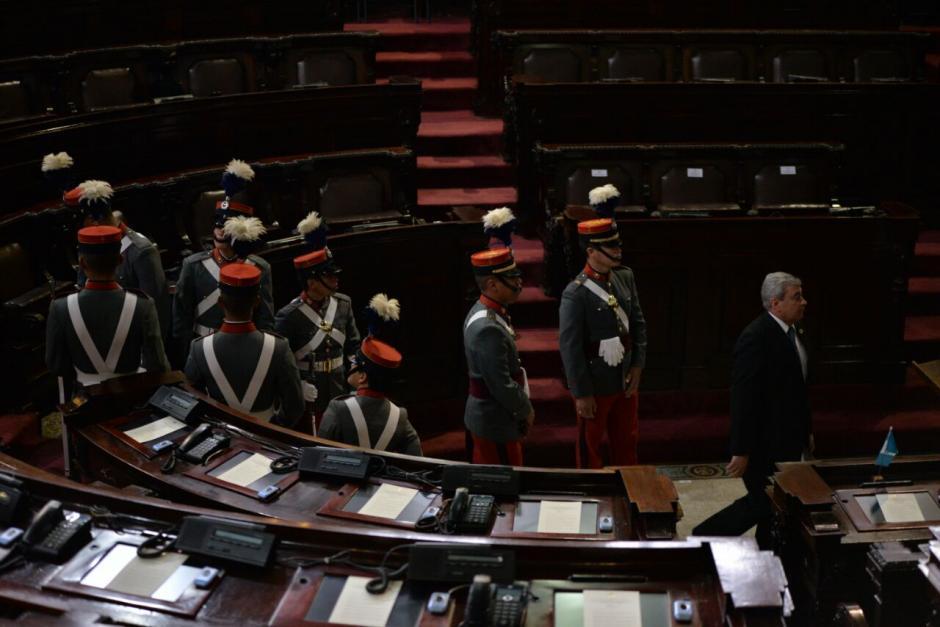 El Congreso no esperó al mandatario Morales para dar inicio. (Foto: Wilder López/Soy502)