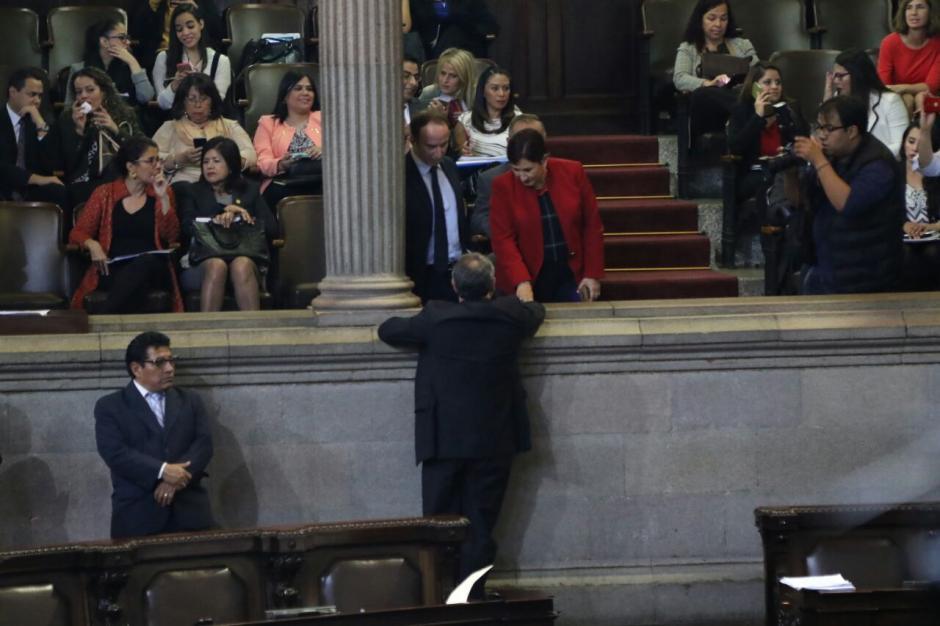 Los funcionarios asistieron para observar la aprobación de las Reformas Constitucionales. (Foto: Alejandro Balán/Soy502)
