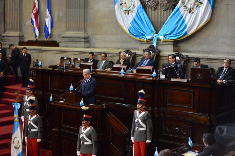 El presidente Alejandro Luis Rabbé dió su discurso en el Congreso para conmemorar la Independencia. (Foto: Jesús Alfonso/Soy502)