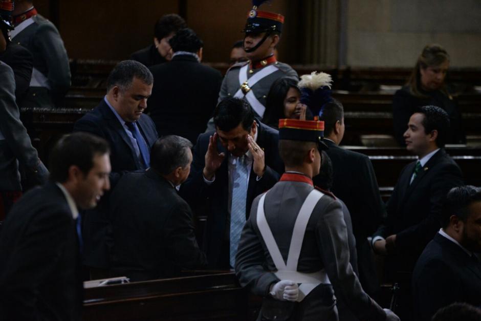 Así se vivieron los momentos previos en el Congreso. (Foto: Wilder López/Soy502)