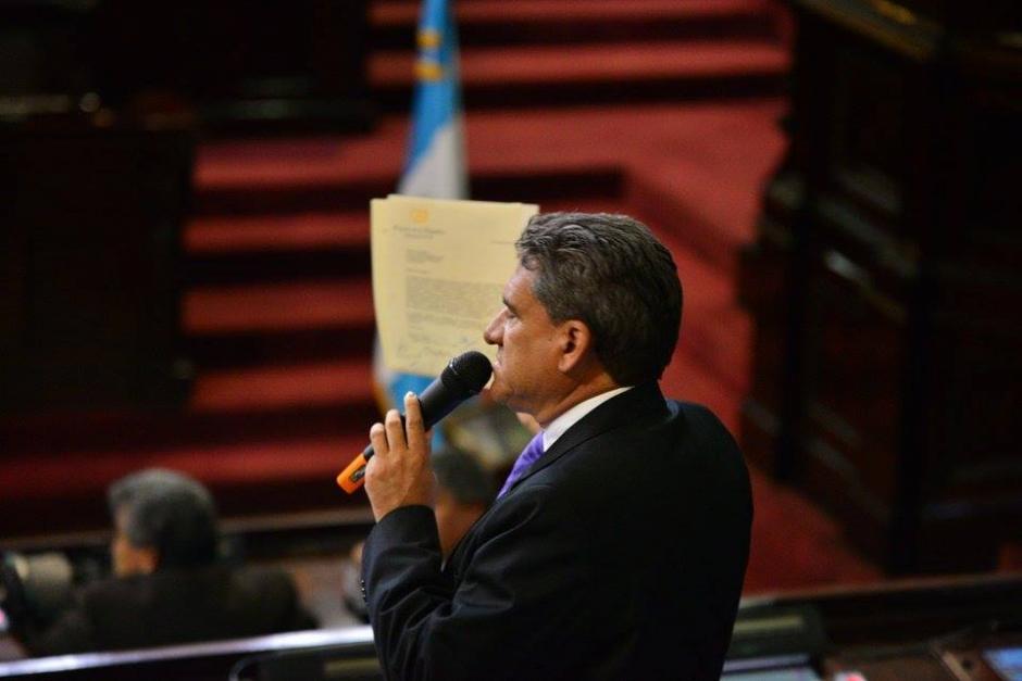 Roberto Alejos, de Todos, pidió a la Comisión Permanente que se convoque a una nueva sesión para conocer exclusivamente la Ley Electoral (Foto: Wilder López/Soy502)