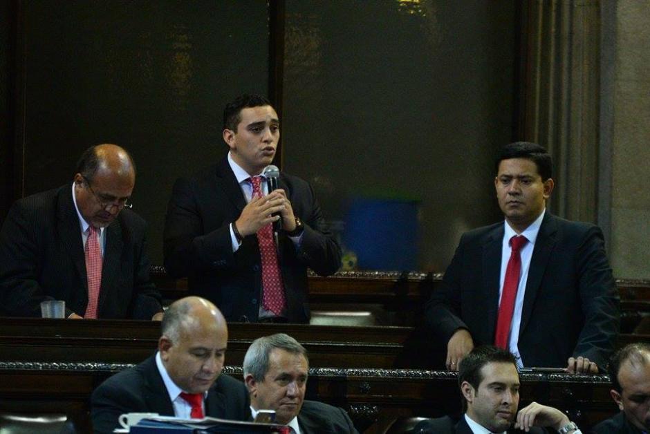 El diputado Juan Manuel Giordano de la bancada Lider expone durante la sesión plenaria en el Congreso. (Foto: Wilder López/Soy502)