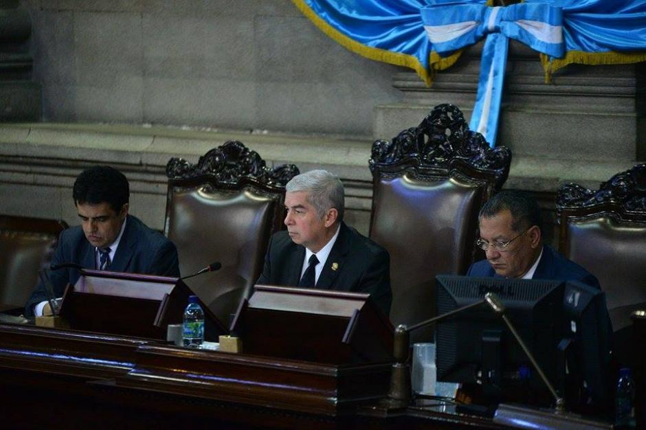 Luis Rabbé, el presidente del Congreso, durante la sesión de este martes. (Foto: Wilder López/Soy502)