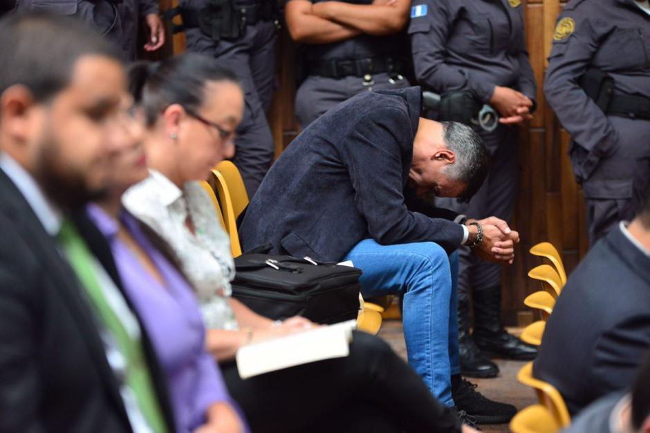 Juan de Dios Rodríguez se muestra preocupado en la audiencia. (Foto: Jesús Alfonso/Soy502)
