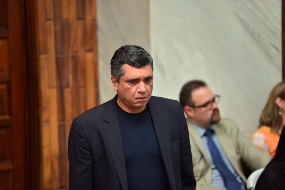Gustavo Martínez apareció este martes en su totalidad vestido de negro. (Foto: Jesús Alfonso/Soy502)