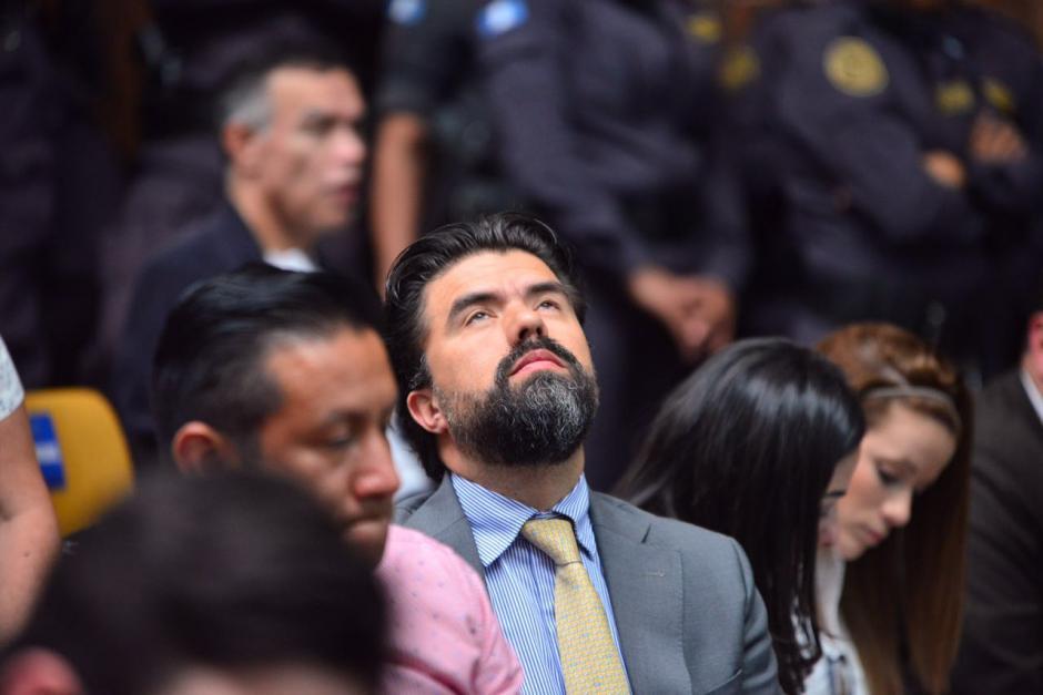 Jonathan Chévez, el supuesto lavador de Otto Pérez Molina, al escuchar resolución. (Foto: Jesús Alfonso/Soy502)
