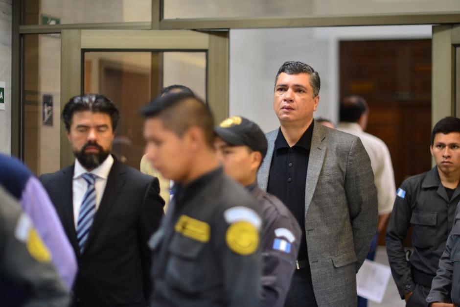 Los implicados Gustavo Martínez y Jonathan Chévez a su llegada a la Torre de Tribunales. (Foto: Jesús Alfonso/Soy502)