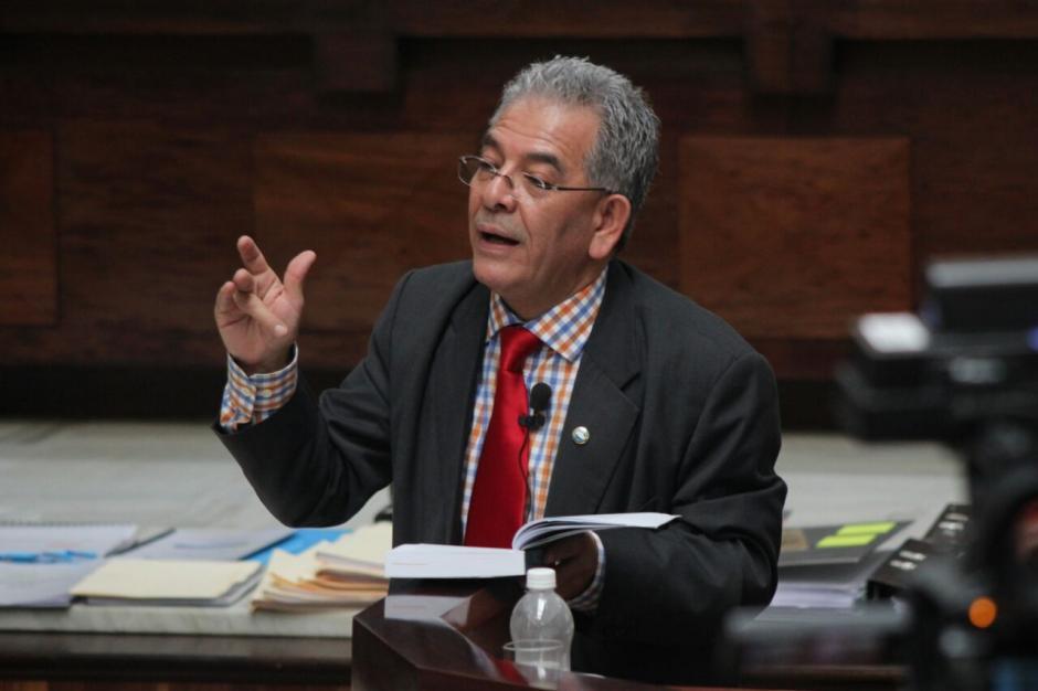 El juez Gálvez explicó su resolución a los 57 sindicados en el caso #CooptacióndelEstado. (Foto: Alejandro Balán/Soy502)