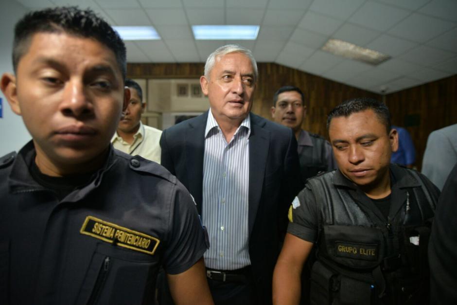 El expresidente Otto Pérez Molina en su llegada a la Sala de Vistas de la CSJ. (Foto: Wilder López/Soy502)