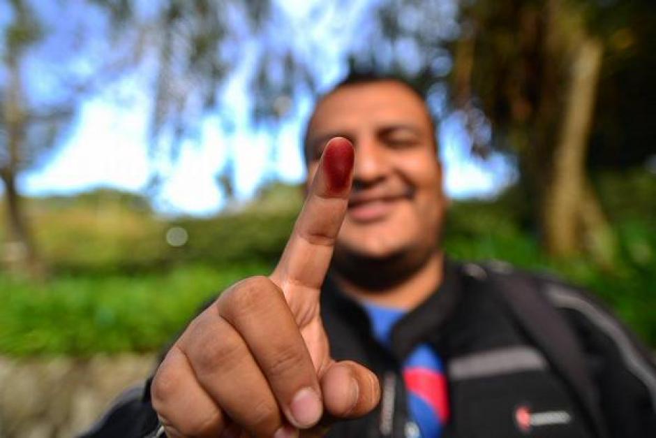 #YaVoté el equipo de Soy502 ya se encuentra emitiendo su voto, Wilder López muestra su dedo índice luego de cumplir con el deber ciudadano. (Foto:@WilderLSoy502)