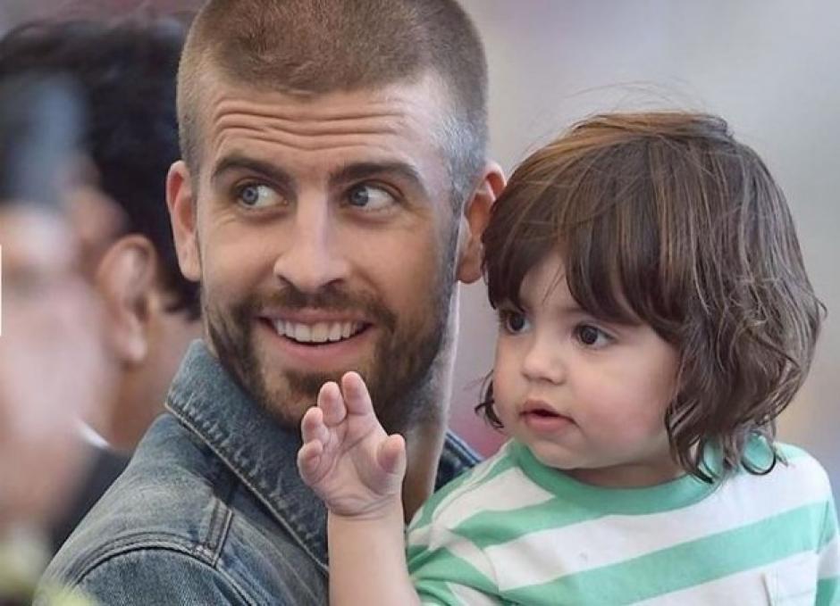 Milan ya se encuentra de vuelta en casa al lado de su hermanito y sus padres. (Foto: Hola)