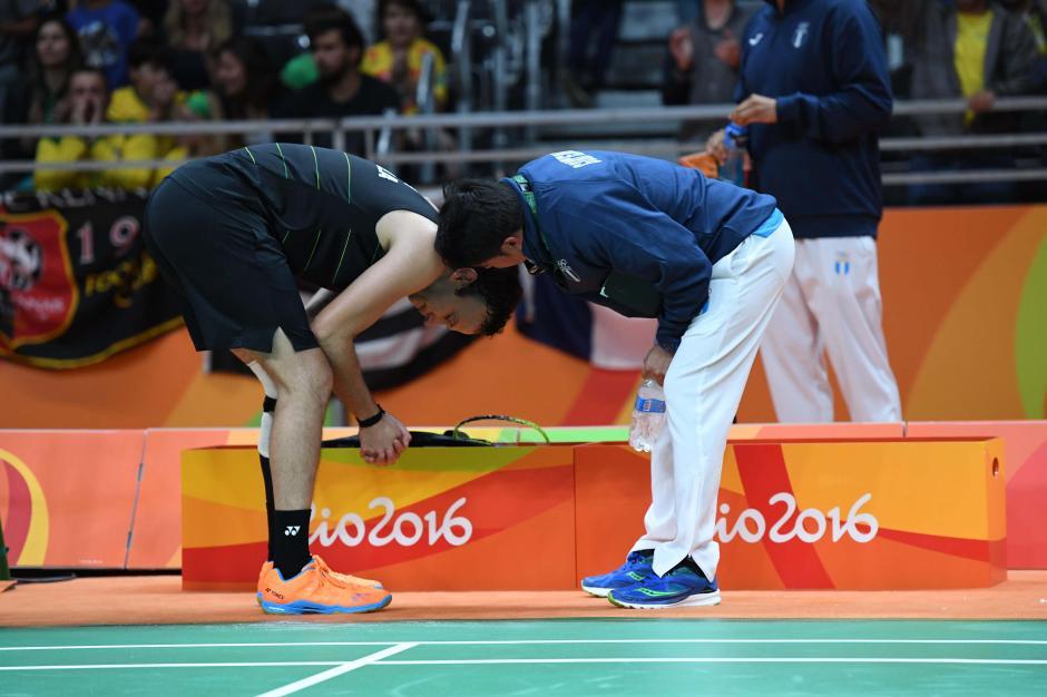 El técnico, José María Solís, le preguntó varias veces si podía seguir o no. (Foto: Sergio Muñoz/Enviado ACD)