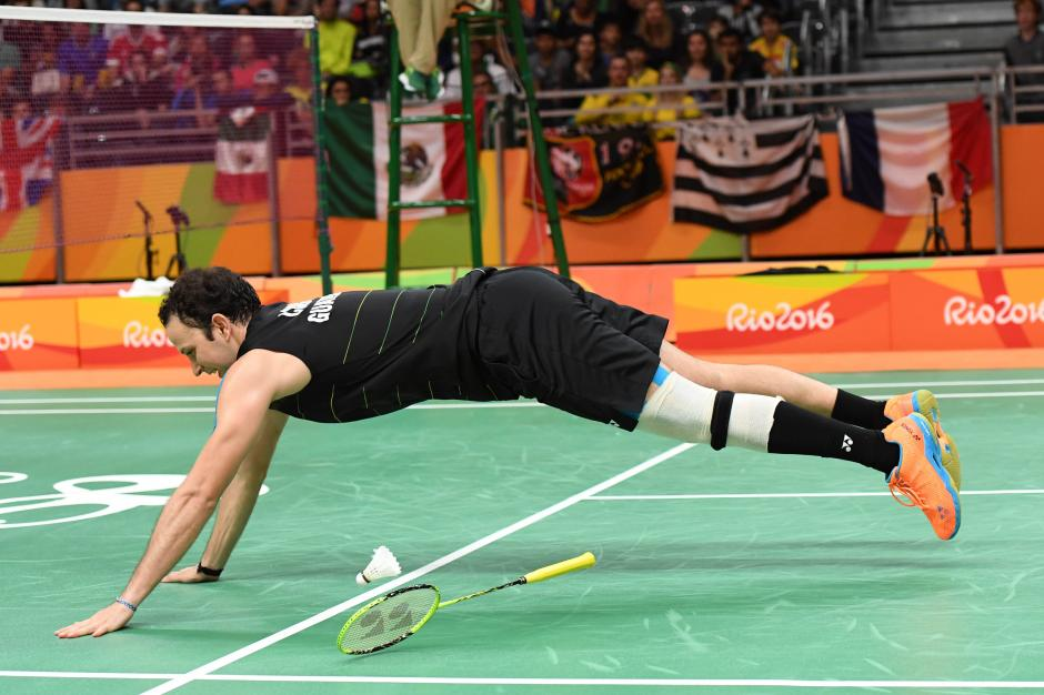 Kevin luchó contra el rival polaco y con su rodilla izquierda. (Foto: Sergio Muñoz/Enviado ACD)