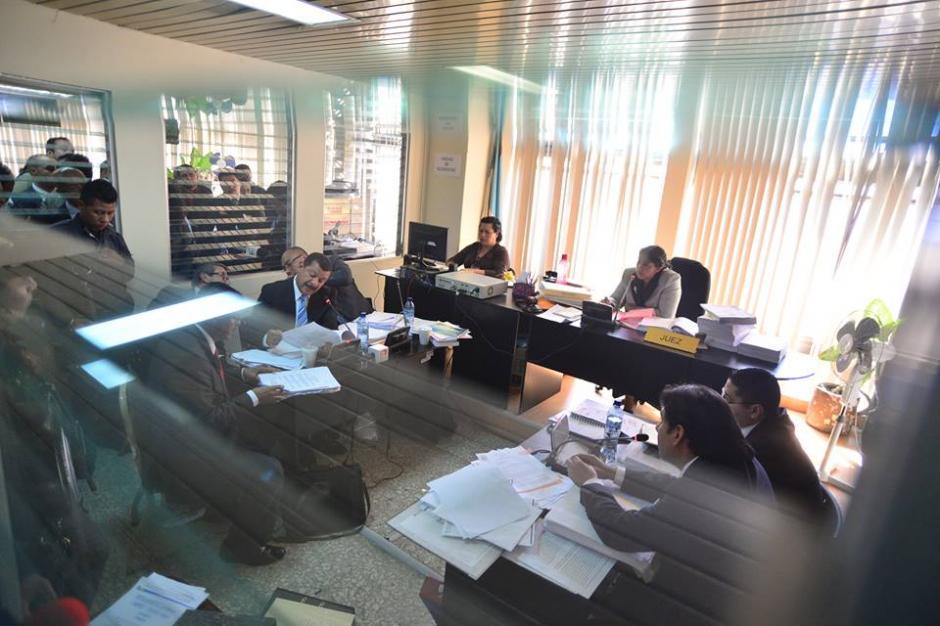 Esta es la pequeña sala en el Juzgado 9o donde se desarrolla el proceso contra Antonio Coro. (Foto: Wilder López/Soy502)