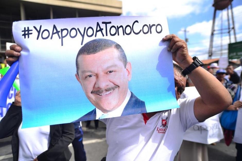 Manifestantes llegaron desde Santa Catarina Pinula a Torre de Tribunales. (Foto: Wilder López/Soy502)