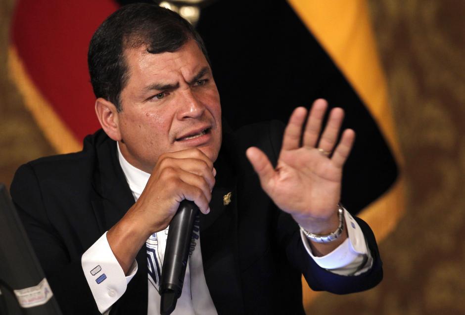 Aunque fue la Asamblea Nacional de Ecuador quien aprobó la reelección presidencial en Ecuador, opositores señalan al mandatario Rafael Correa de estar tras la reforma. (Foto: elinformador.com.ve)
