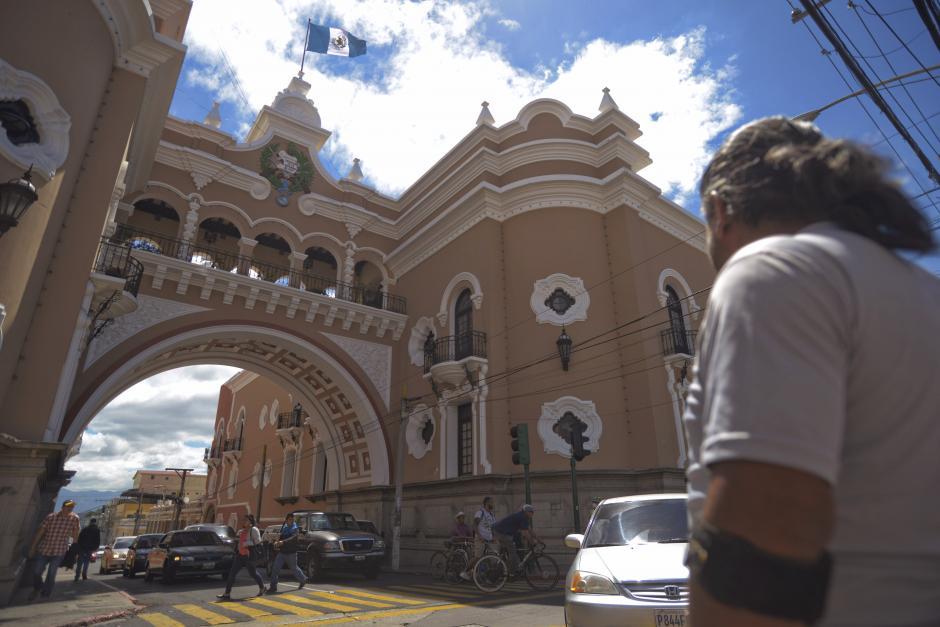 Las personas que tengan el código de rastreo pueden acercarse a la sede central en zona 1. (Foto: Wilder López/Soy502)