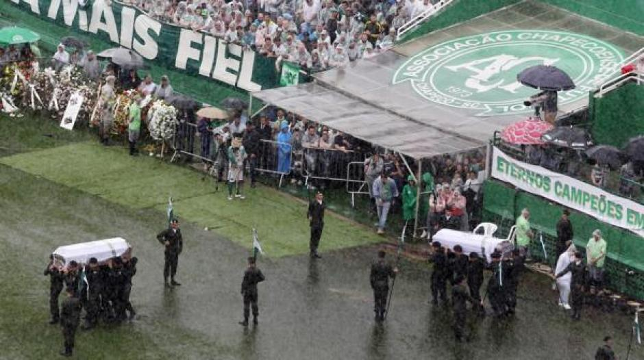 50 de las víctimas eran parte de la comitiva del Chapecoense. (Foto: Infobae)