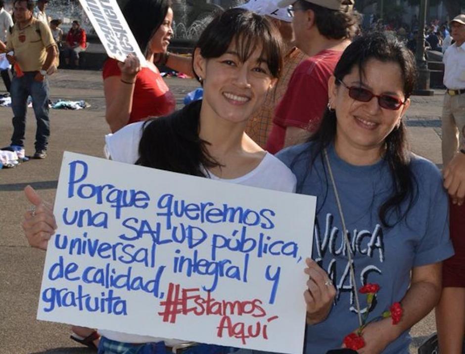 La ministra de Salud participó activamente en las marchas contra la corrupción. (Foto: Twitter)