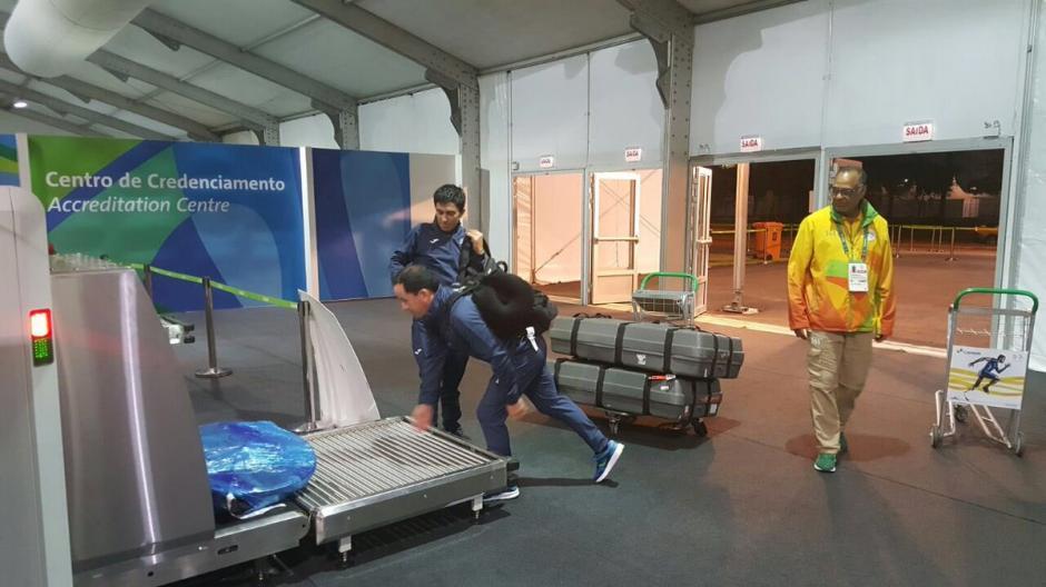 Pesado equipaje y todo listo para el debut de Manuel Rodas en Río 2016. (Foto: COG)