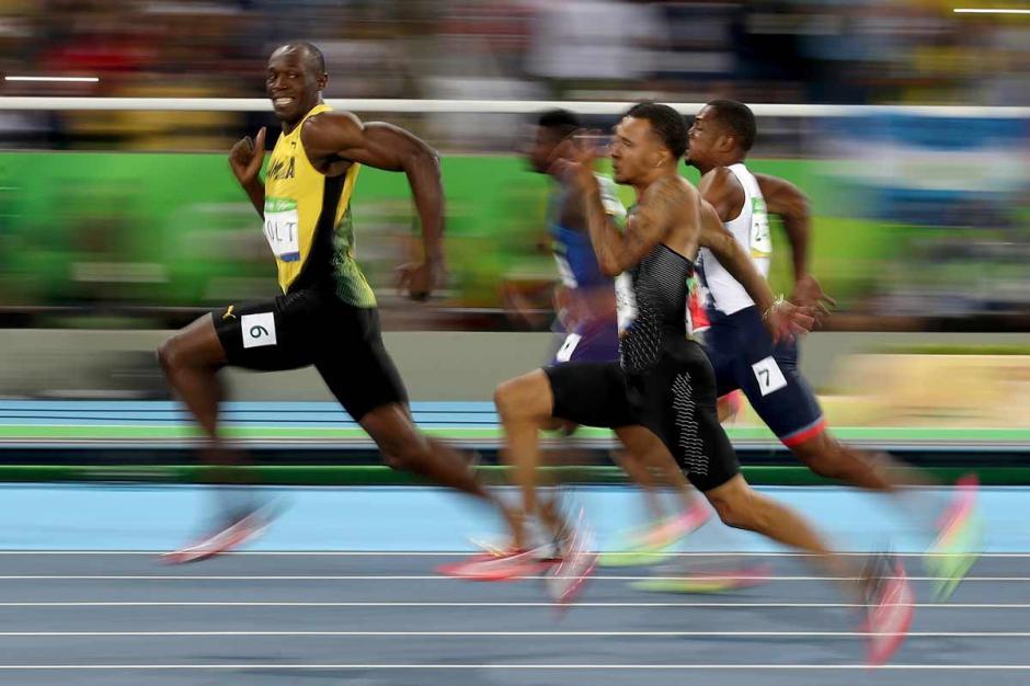 Pese a que no fue su mejor tiempo, Bolt se llevó la medalla de oro. (Foto: EFE)