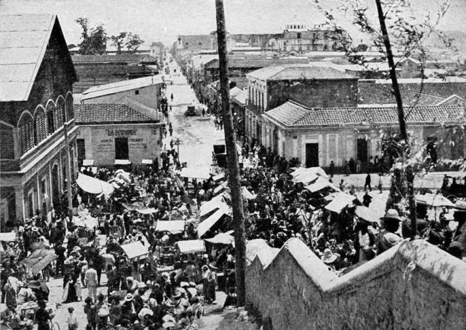 Vista desde el antiguo Calvario hacia el centro de la ciudad (hoy 6a. Av y 18 calle)  Guatemala 1928 (Foto: Twitter/@GuatHistorica)