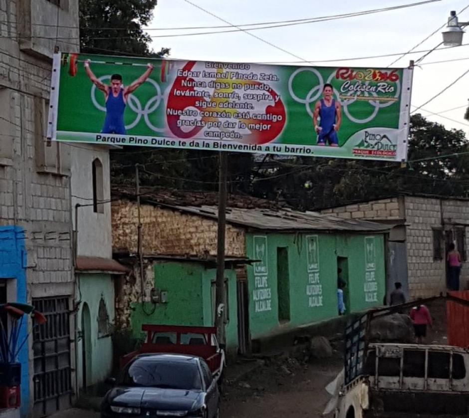 Las pancartas daban la bienvenida a Pineda Zeta. (Foto: Muni Mataquescuintla)