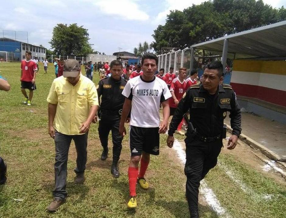 Daniel Pedroza nunca más podrá volver a jugar fútbol federado. (Foto: Servicable Canal 14/Facebook)