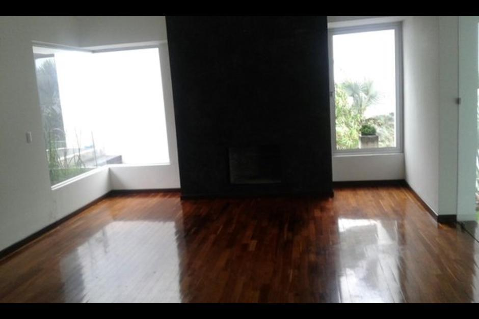 Vista de uno de los ambientes de la residencia ubicada en la zona 10, en el residencial Los Eucaliptos. (Foto: Archivo)
