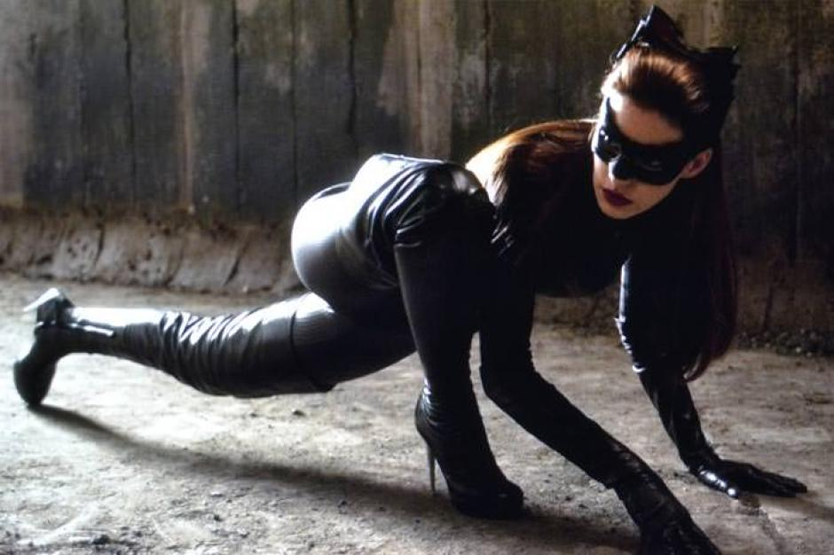 Anne Hathaway espera volver a encarnar a Catwoman. (Foto: Twitter)