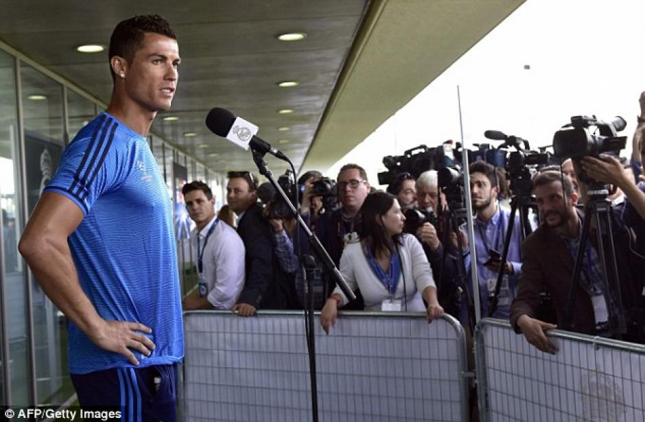 Luego del incidente, CR7 dio una conferencia de prensa. (Foto: Daily Mail)