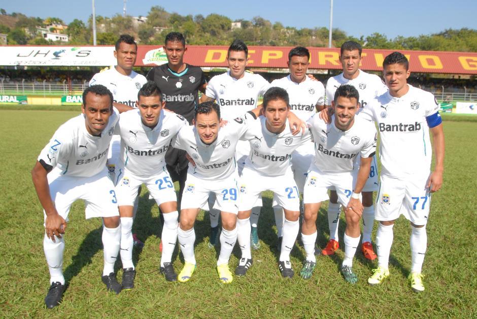Comunicaciones ganó por primera vez en el estadio David Cordón Hichos, a Guastatoya. Emiliano López anotó por los albos. (Foto: Nuestro Diario)